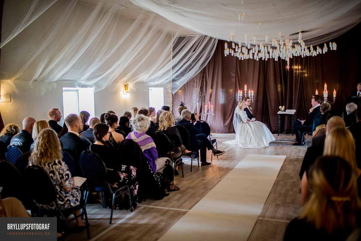 Bryllupsfotograf der er kreativ, stilfuld og personlig.