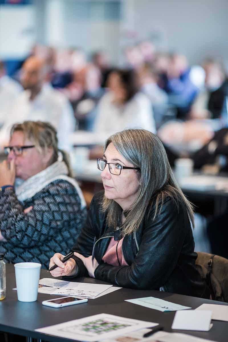 Gode billeder af talere, deltagere, overrækkelse af priser og lignende
